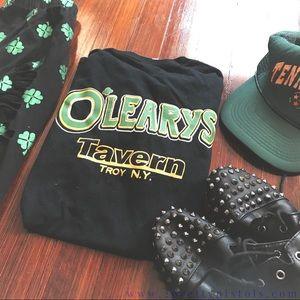 2PP VINTAGE // Black O'Leary's Tavern t-shirt